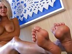 Mona Lisa Matured Arched Feet