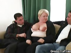 Two dudes try the brush venerable pussy