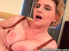 Granny With Big Tits And Flimsy Pussy Fucks A Dildo