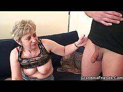 Hot threesome look into pussy masturbating