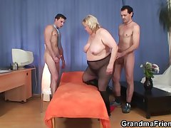 Grandma threesome ripening place