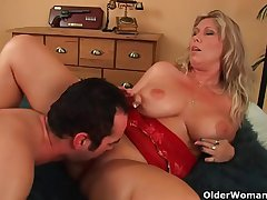 Doyen woman with natural chubby tits gets fucked