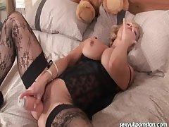 Mature UK pornstar Jane Federation enjoys her dildo