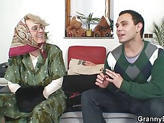 Misbehaving grandma gives up her pussy