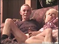 Nice blear of granny giving grampa a blowjob