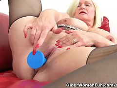 British granny Lacey Starr loves exposing her beamy pair plus dildoing