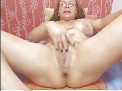 Webcam - Colombian granny Milf persiflage (no sound)