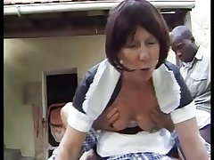 french granny filly anally fucked outdoor