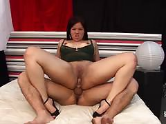 Hausfrau Ficken - Cum on tits for mature German amateur