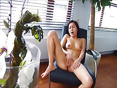 Asian girl orgasms in say no to chair