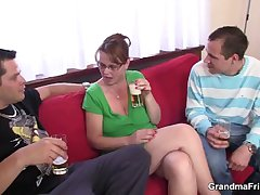 Two guys rate fucking hot mom