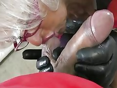 Granny Handjob #2 (Pizza Boy object the suited Payment)