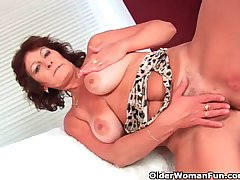 Heavy titted granny bleed for fucks her hairy pussy