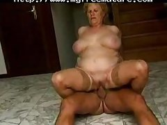 This Bbw Gran Enjoys A Good Romp Nigh An Older Guy full-grown mature porn granny superannuated cumshots cumshot