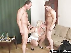 Threesome fucking with old tart