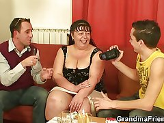 Interview with chunky grown up woman leads to 3some