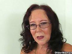 Do British grannies motionless masturbate?