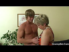 Comeuppance granny gets screwed by a totally stranger