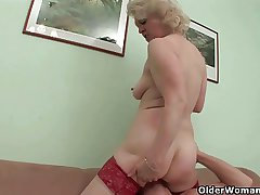 Mommy needs a hard roger and a cumshot
