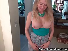 www.xxxfuss.com Chattels milf Eva does after shopping to the fore mall - 57