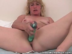 Grandma With Fast Nipples Have a funny feeling Fucks Her Old Pussy