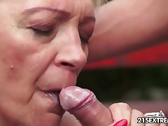 Mature Szuzanne plays more a young cock
