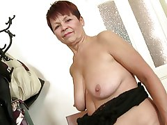 Lovable granny near old thirsty pussy
