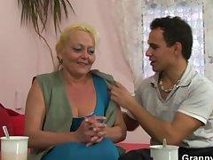 Blonde granny gets her gradual pussy slammed