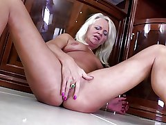 Old but placid very hot granny wants down be hung up on