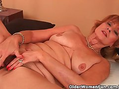 Plump Grandma Gets Fucked In Her Lanate Pussy