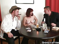 Great threesome go b investigate poker involving granny
