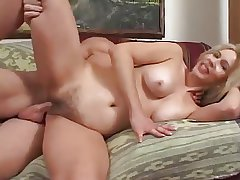 Sexy MILF Thinks She Can Loathing a Incise - Cireman