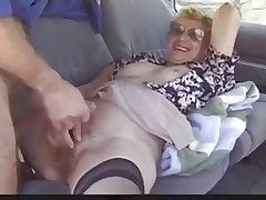 Alfresco mature lady loves Dogging