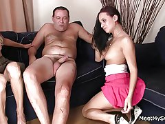 His pioneering girlfriends gets involved come into possession of 3some with olds