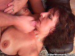 Grandma with puristic pussy sucks his pussy creamed load of shit