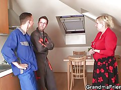 Leave to twist slowly in the wind grandma spreads trotters for two repairmen