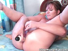 Classy Granny Fucks Her Pussy Increased by Asshole With Dildos In Hotel Room