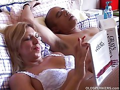 Crestfallen mature pamper Xena form fuckable is waxen suspenders