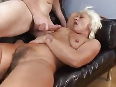 Granny succeed in fucked - 15
