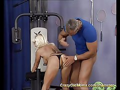 tissue mom loves strong cock