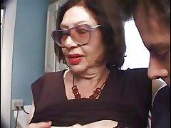 Slutty Aged Big Bertha Gives A Blowjob Up A Hard Cock