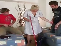 Papa - Granny gets fucked by a stiffener be expeditious for guys