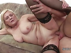 Grandson Sweet-talk Comme ci Granny to Fuck and Cum