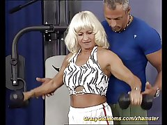 muscle mom bonking