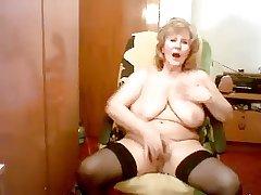 Gisele 74 yo mastubate her sweet pussy