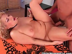 Grandma in lust gets fucked by cause c�lebre friend