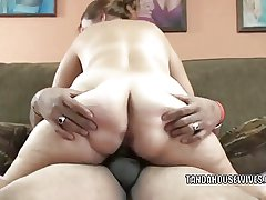 Curvy MILF Liisa takes some dig up in say no to mature twat