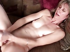 Pretty Adult Having Some Pussy Fun