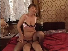HOT MOM n145 brunette of age milf and a little shaver