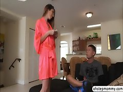 Stepmom Dava the big weasel words wanker gets smelly hard by Zoe